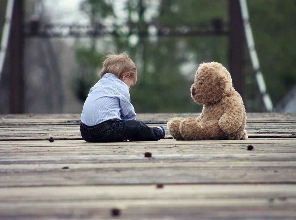 Por qué no debes subir fotos de tus hijos a las redes sociales